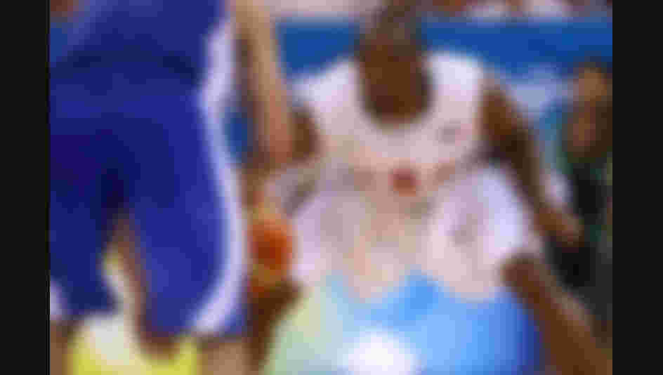 Kobe Bryant plays defense against Greece