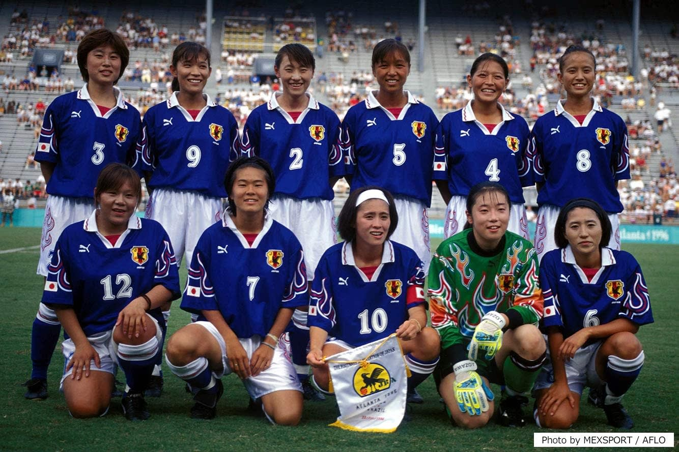 Asako Takakura (back row, far right) at the Atlanta 1996 Olympic Games.