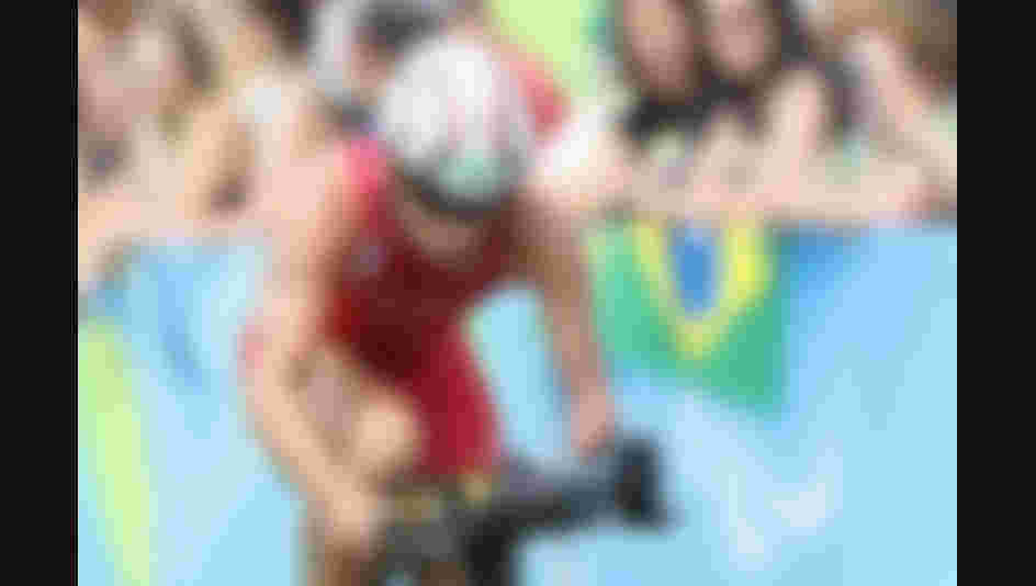 RIO DE JANEIRO, BRAZIL - SEPTEMBER 10: Jairo Ruiz Lopez of Spain competes in the men's triathlon PT4 at Fort Copacabana during day 3 of the Rio 2016 Paralympic Games on September 10, 2016 in Rio de Janeiro, Brazil.  (Photo by Matthew Stockman/Getty Images)
