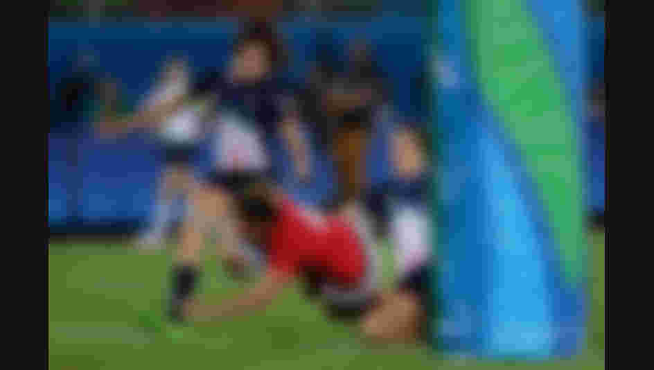 Kelly Russell of Canada scores a try during the Women's Bronze Medal Rugby Sevens match between Canada and Great Britain on Day 3 of the Rio 2016 Olympic Games.